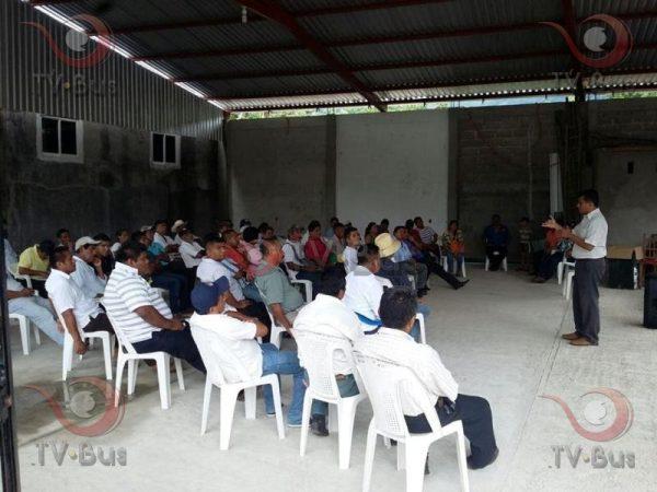 Dan plazo de 72hrs para que autoridades liberen carretera de Valle Nacional