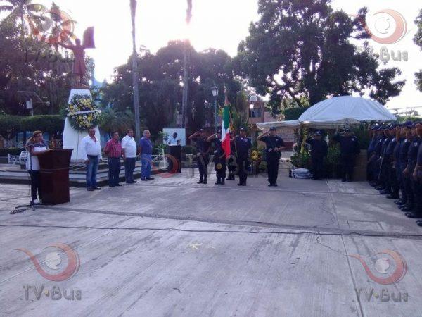 Con ausencia de regidores y Presidente, realizan homenaje a Miguel Hidalgo
