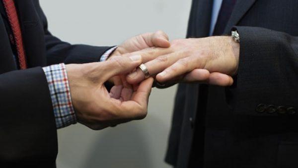 Poca respuesta de personas del mismo sexo en casarse