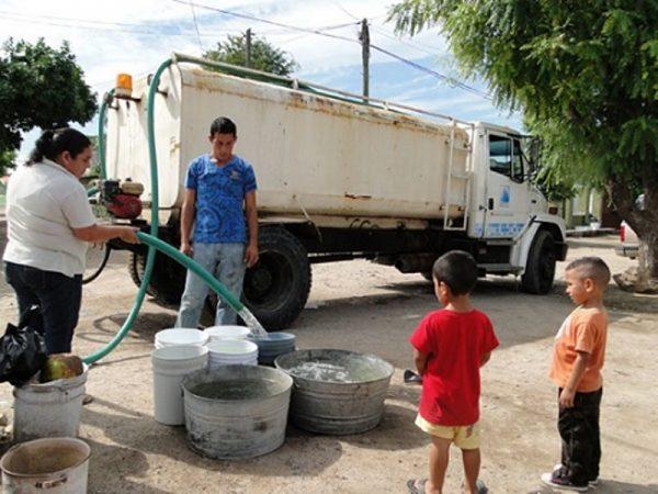 Habitantes de San Bartolo, llevan 3 semanas sin agua