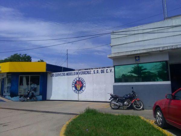 Modelo Tuxtepec niega suspensión de actividades