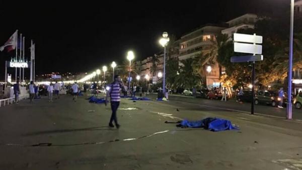 Abaten a chofer de camión que arrolló a multitud en Niza; autoridades reportan 73 muertos