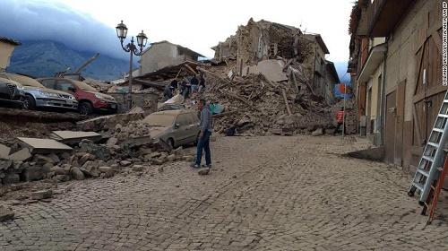 Ya son 159 muertos por terremoto en Italia