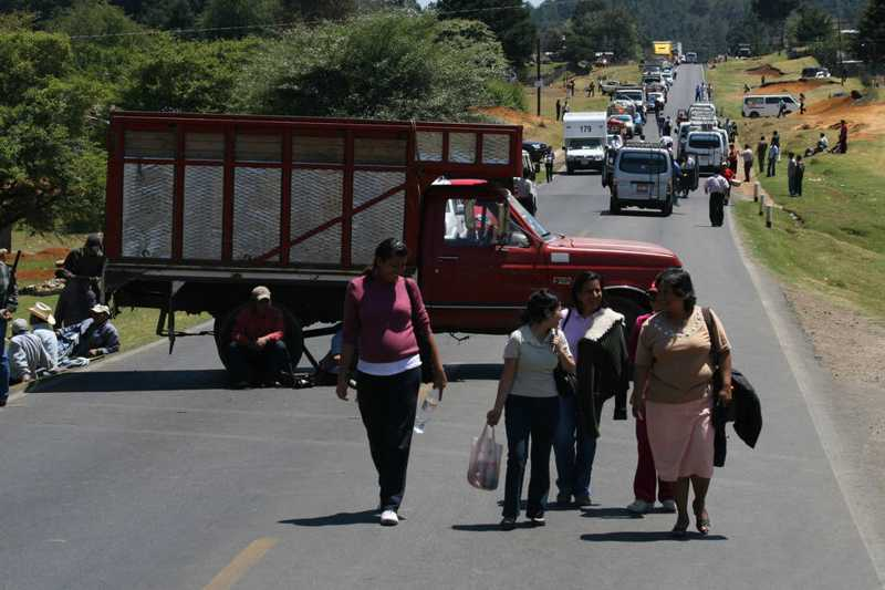 Segob y CNTE reanudarán diálogo para solucionar bloqueos