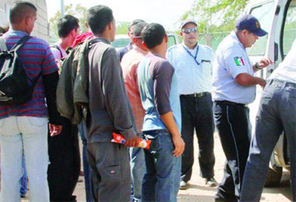 INM confirma agresión a dos agentes en Oaxaca