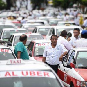 Taxistas protestan por posible llegada de Uber a Veracruz