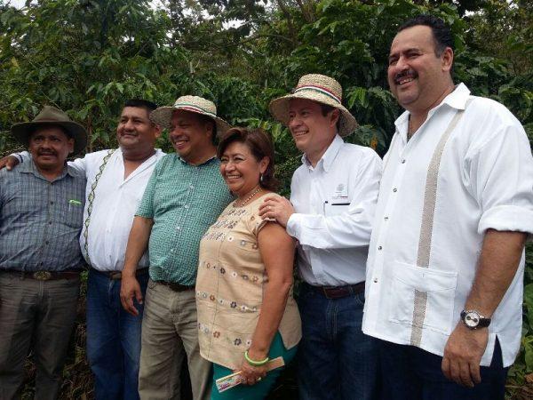 SAGARPA y CDI entregan más de 15 mdp en la Cuenca del Papaloapan