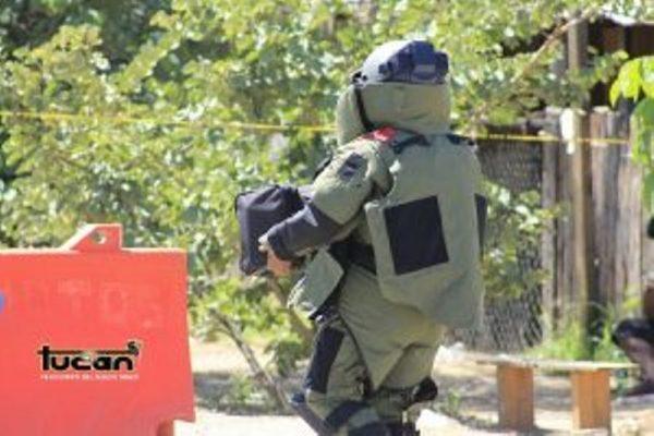 """Arrojan granada a vehículo del líder del FP """"14 de Junio"""" en Oaxaca"""