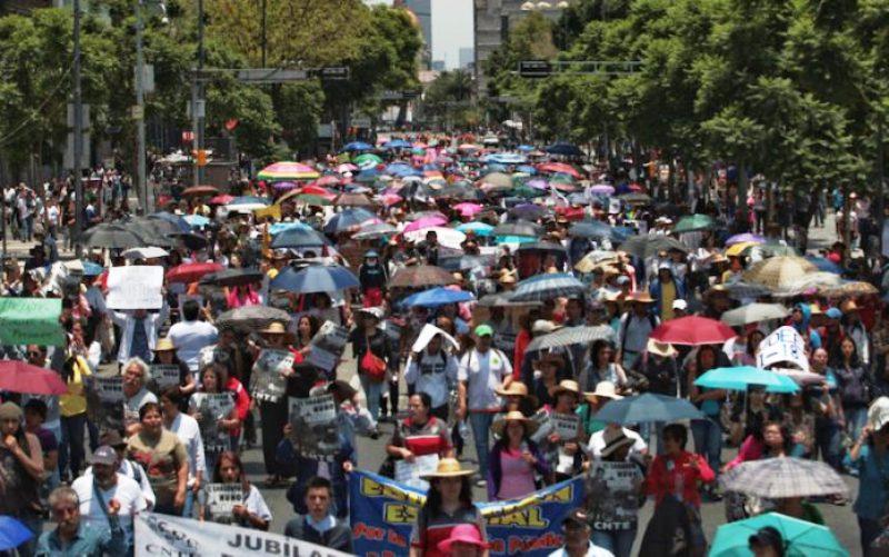 Sección 22 alista marcha y cierre de empresas trasnacionales