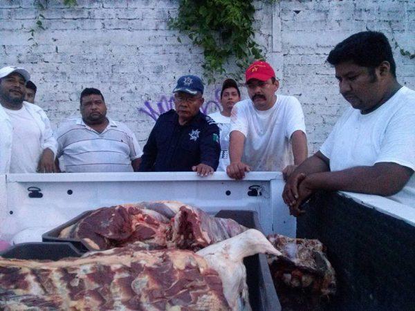 Se agudiza conflicto en el rastro, policia queria quitarles la carne a los tablajeros