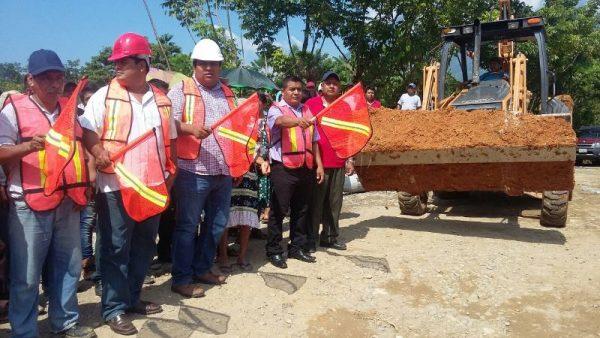 Con una inversión de más  de 5 millones, inician la obra del puente de Santo Domingo