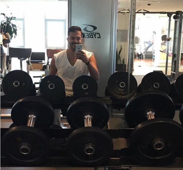 Fernando del Solar fortalece su salud, ¡ya regresó al gimnasio!