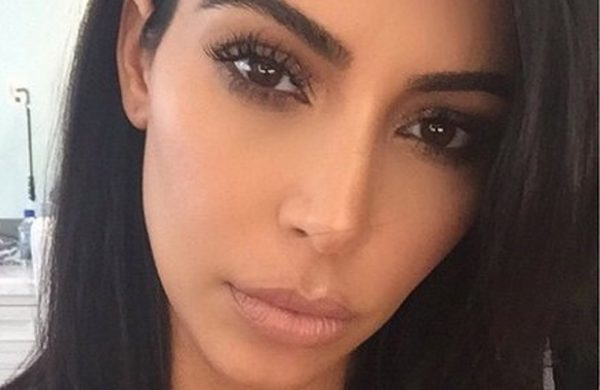 Asaltan a Kim Kardashian ladrones disfrazados de policías