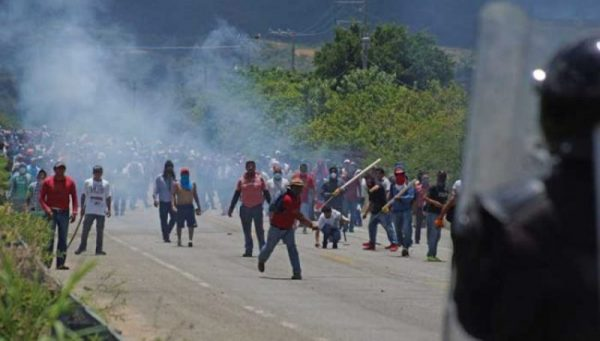 Ingresan peritos de la PGR a Nochixtlán a casi 4 meses del fallido desalojo