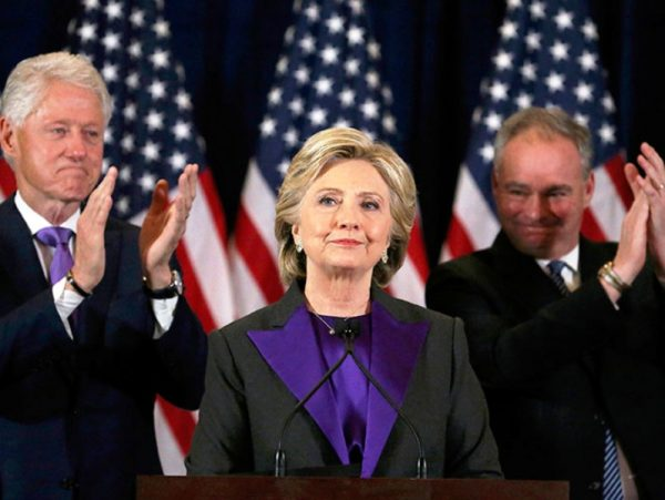 Hillary Clinton: 'Ofrecí a Donald Trump trabajar con él por nuestro país'