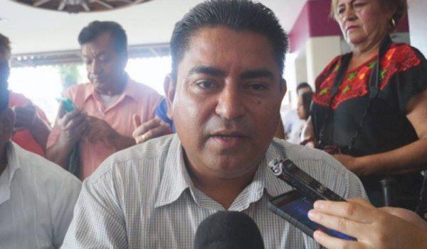 Empieza Presidente electo de Jacatepec, gestiones para su municipio