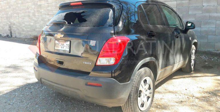 Mototaxistas vandalizan autos de personal en Ciudad Administrativa