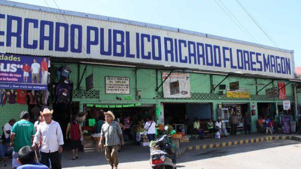 Locatarios del Flores Magón piden a autoridades electas, proyecto para mercado
