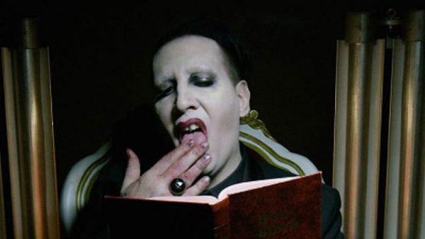 ¡Omg! Marilyn Manson 'decapita' a Donald Trump