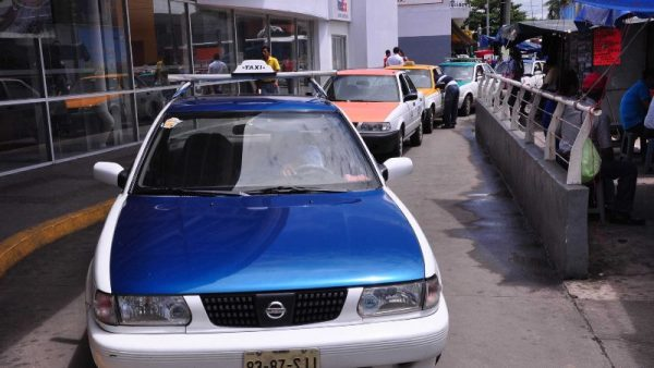 Por seguridad y confianza, realizarán base de datos  de taxistas