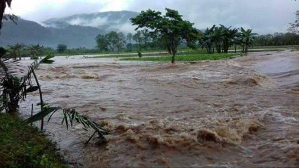 """""""Atípico""""  Se desborda río Valle Nacional, inunda 3 Marías"""