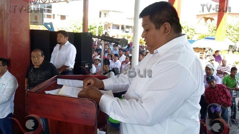 Toma protesta presidente electo de Valle Nacional