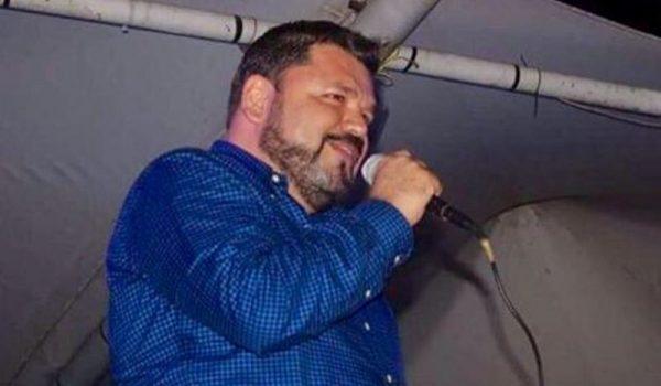 Apoya Rogelio Gómez a escuelas de Tuxtepec