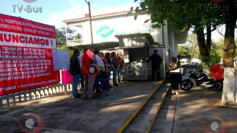 Maestros impiden acceso a directora del CONALEP Tuxtepec