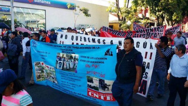Marcha Sección 22 en Oaxaca