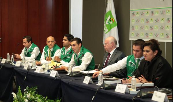 SSA encuentra en Veracruz medicina caducada y pruebas para VIH sin registro