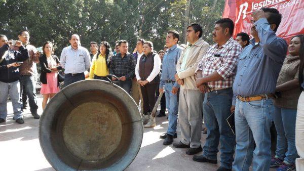 Con cacerolazos, protestan por precio de la gasolina en Oaxaca