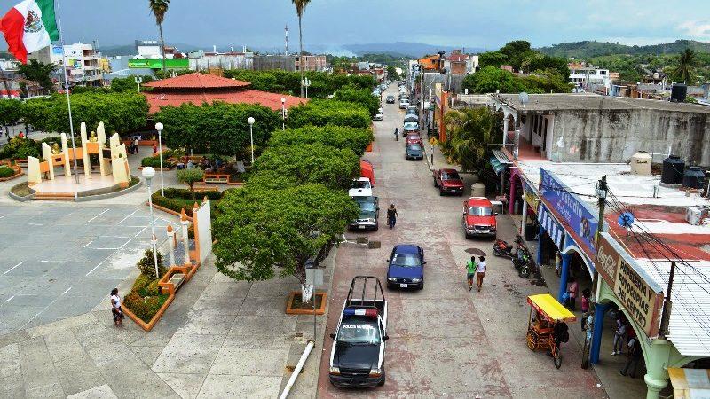 Continúan conflictos en Pinotepa por cambio de autoridades municipales