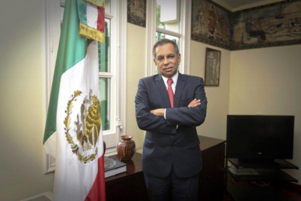 Renuncia Fidel Herrera a Consulado de México en Barcelona