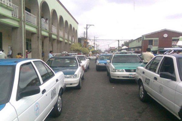 Por gasolinazo urge modificación de tarifas a algunas colonias: taxistas