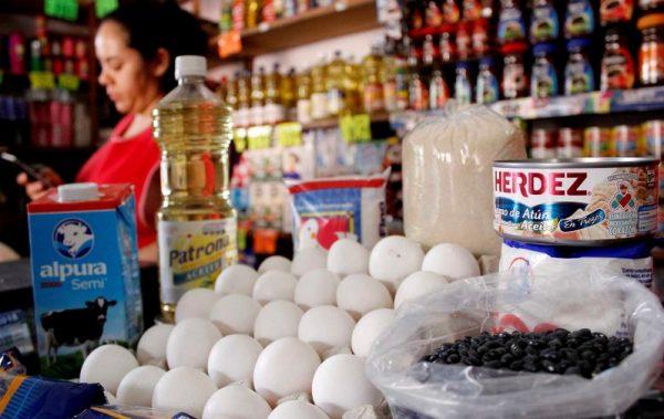 Consecuencias en canasta básica de no limitar precio de la gasolina: Silvino Reyes