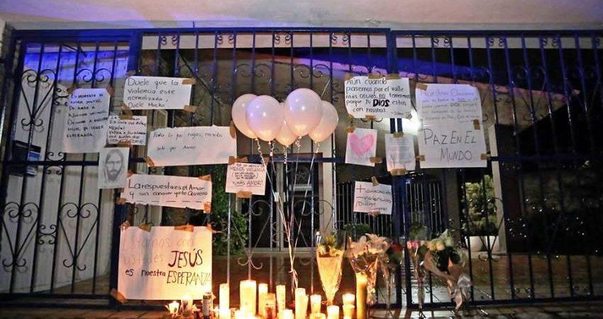 El papá enseñó a disparar al niño que atacó colegio de Monterrey