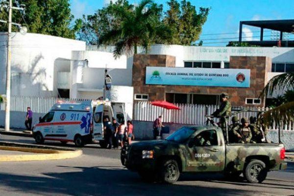 Balacera en Fiscalía de Cancún; extraoficialmente se habla de seis muertos