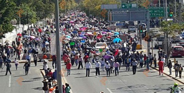 Maestros de Oaxaca piden reducir costos en combustibles