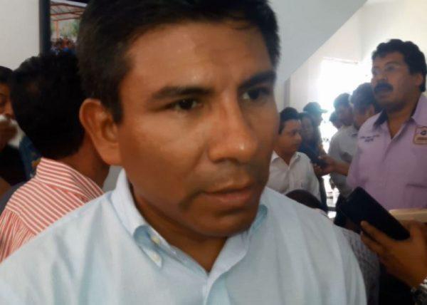 Recibe Presidente de Ojitlán deuda con CFE de más de un millón de pesos