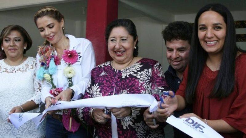 Ivette Morán de Murat inauguró en la Mixteca la Séptima Oficina Regional del DIF