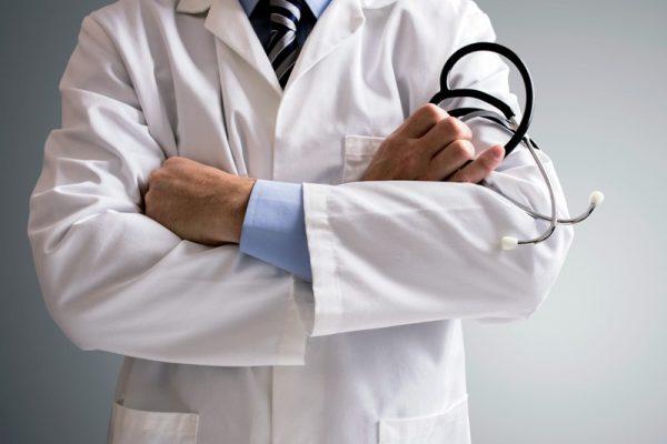 Tras 20 días sin servicios médicos, Cerro Armadillo exige un doctor para su clínica