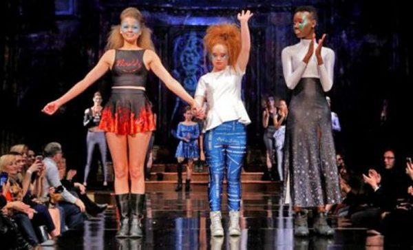 Madeline Stuart, la primera modelo con Síndrome de Down, estrenó exitosamente su propia línea de ropa  en NY