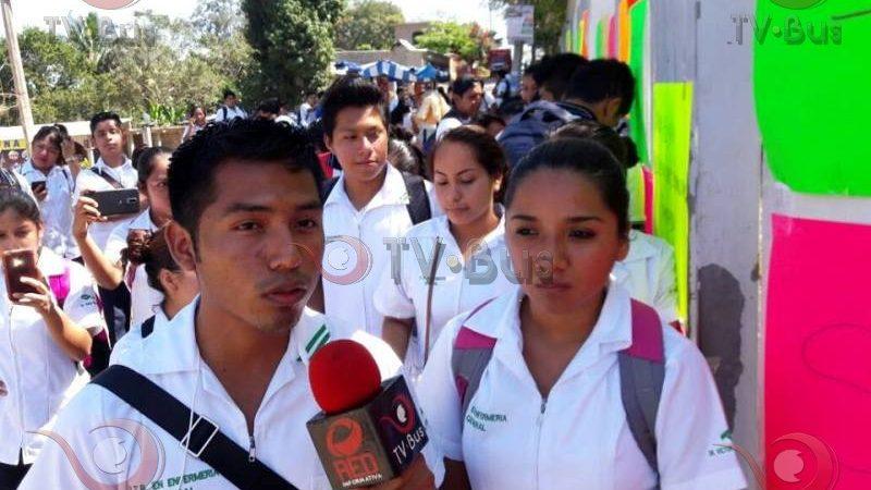 Alumnos del CONALEP se manifiestan en el plantel