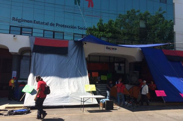 Estalla huelga sindicato Independiente en el Seguro Popular de Oaxaca