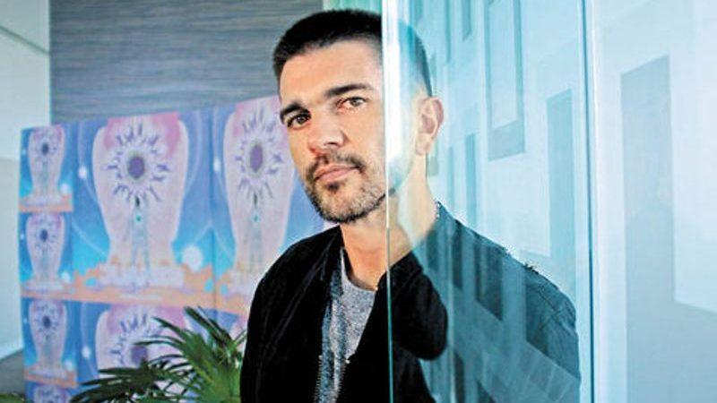 Juan Gabriel contrasta los sentimientos de Juanes