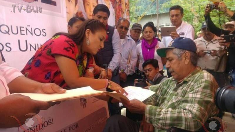 Realiza Diputada Federal Karina Barón gira en la Cuenca