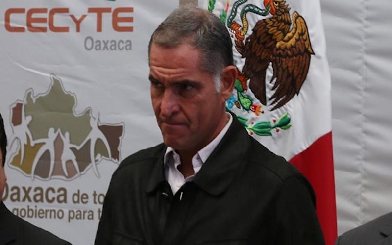 Culpa gobierno de Murat a Gabino Cué de los medicamentos caducos