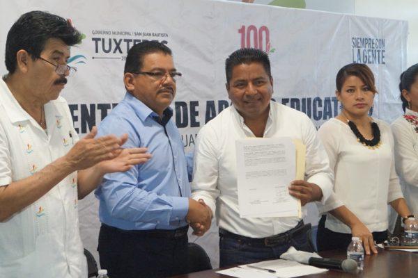 Contribuye Ayuntamiento de Tuxtepec en abatir rezago educativo