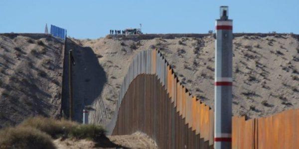 Trump insiste en el muro; amaga con cerrar el Gobierno