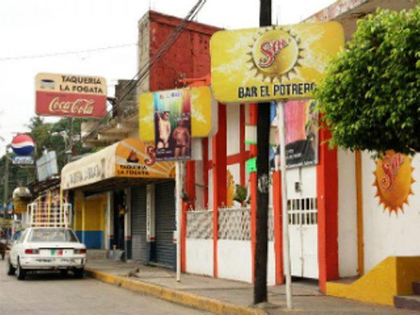Colapsarán bares y cantinas en Tuxtepec, tras decreto de Murat